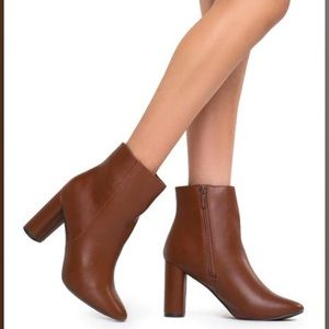 Tan Ankle Boots 👢